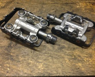 Shimano SPD/Standard pedals