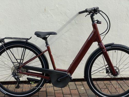 Optima E40 2021 Medium Metallic Dark Red